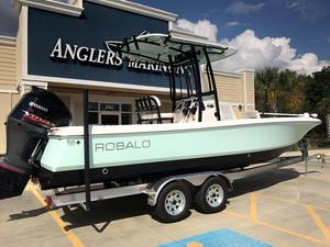New Robalo R246 CAYMAN Bay Boat For Sale