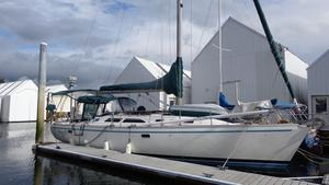 Used Catalina 400 Wing Keel Cruiser Sailboat For Sale