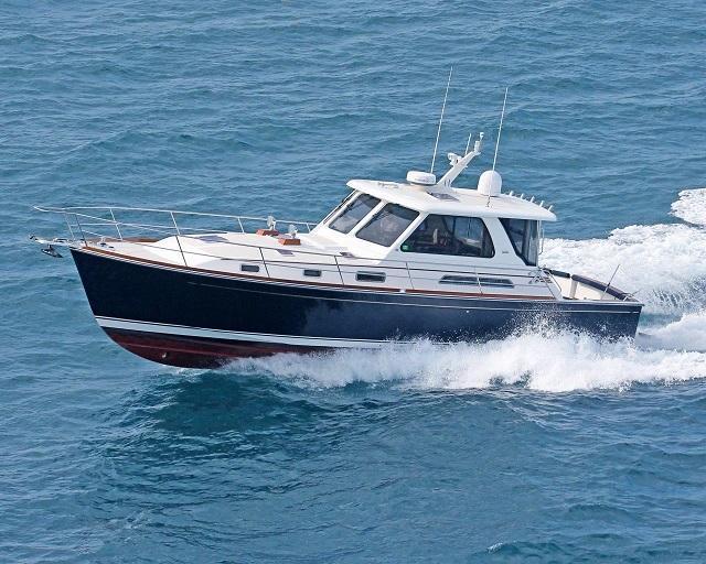 2004 used sabre 42 hardback express motor yacht for sale for Used motor yachts for sale in florida