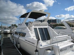 Used Carver SANTEGO Flybridge Boat For Sale