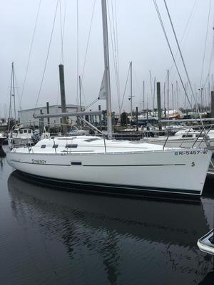 Used Beneteau America 323 Cruiser Sailboat For Sale