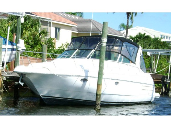Used Cruisers Yachts 3572 Cruiser Boat For Sale