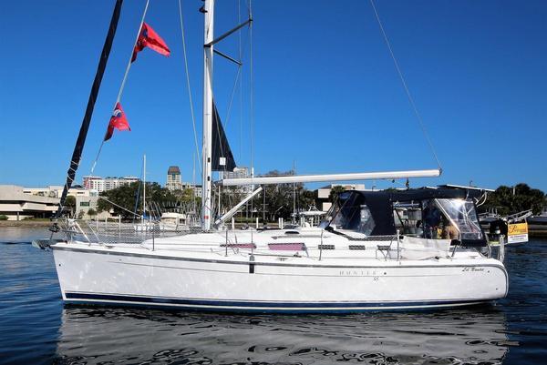 New Hunter 380 Cruiser Sailboat For Sale