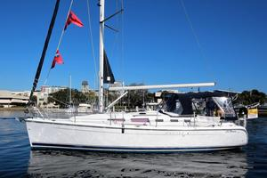 New Hunter 380 Cruiser Sailboat For Sale