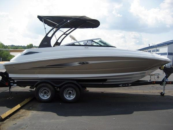 New Sea Ray 220 Sundeck Deck Boat For Sale