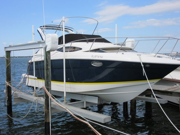 Used Regal Window Express Cruiser Boat For Sale
