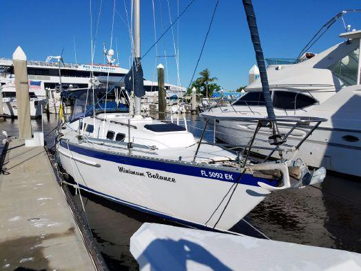 Used Columbia 10.7 Cruiser Sailboat For Sale