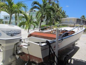 Used Boston Whaler Classic Sport Center Console Boat For Sale