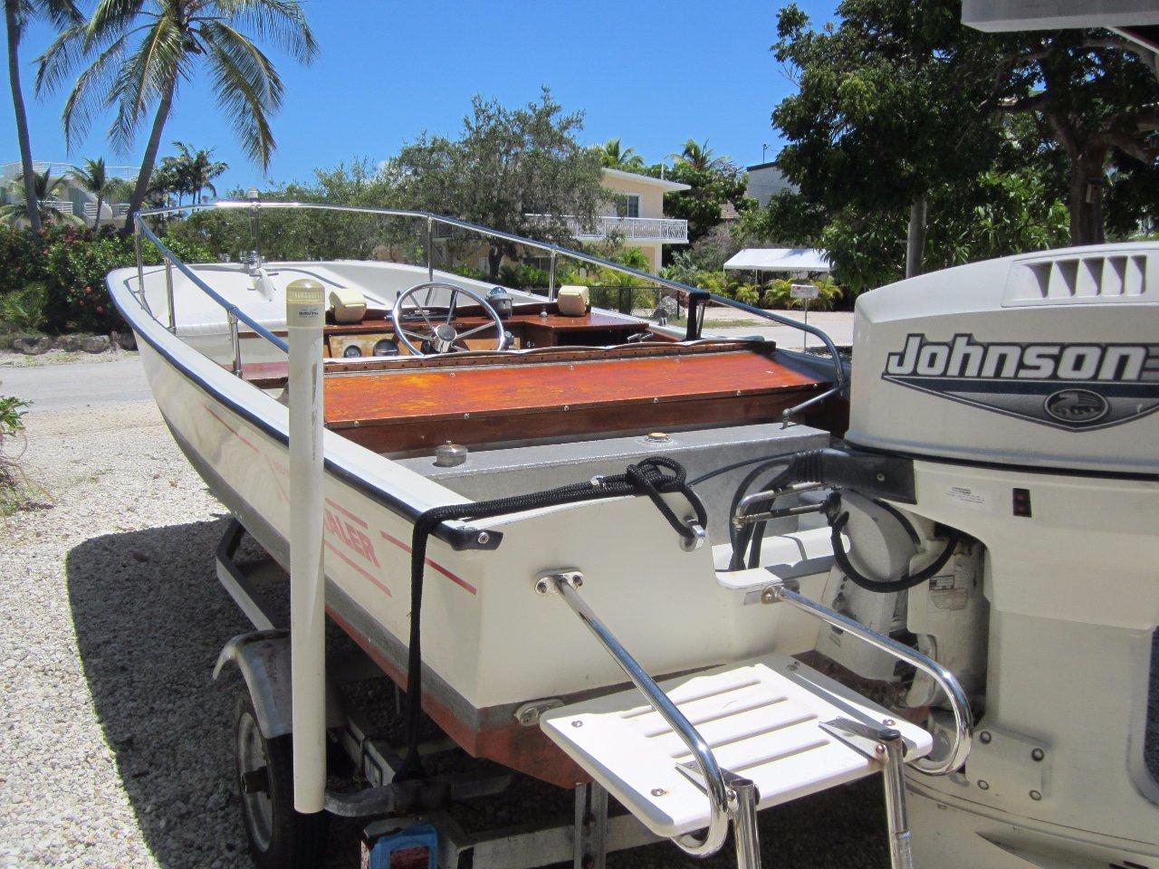 1984 Used Boston Whaler Classic Sport Center Console Boat