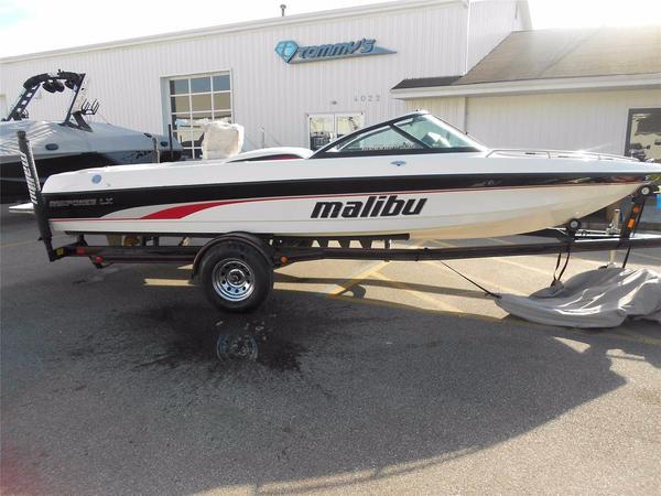 Used Malibu Response LX Ski and Wakeboard Boat For Sale