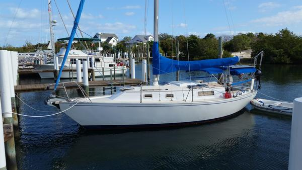 Used Morgan 321 Cruiser Sailboat For Sale