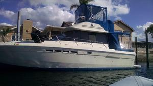Used Chris-Craft 333 Commander Sports Cruiser Boat For Sale
