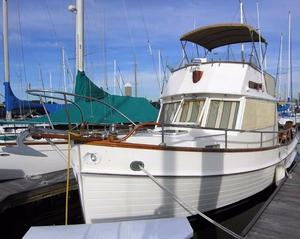 Used Grand Banks 32 Cruiser Boat For Sale