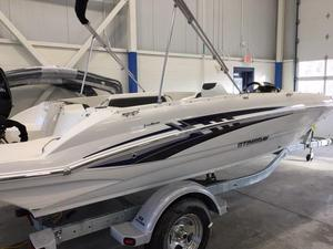 New Stingray 182 SC Deck Boat For Sale