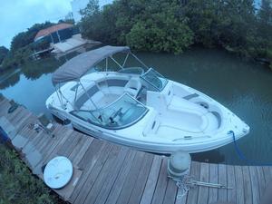 Used Rinker Captiva 226 BR Bowrider Boat For Sale
