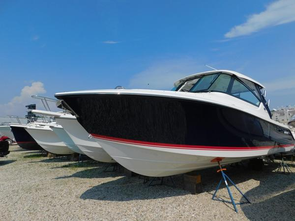 New Pursuit DC 295 Cruiser Boat For Sale