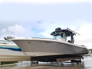 Used Everglades 290 Pilot Center Console Fishing Boat For Sale