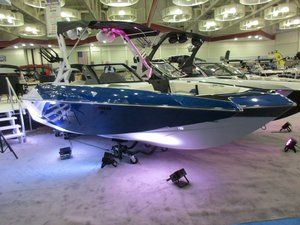 New Axis Wake Research A22A22 Ski and Wakeboard Boat For Sale