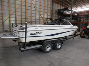 Used Malibu Boats Llc 21 Sunscape LSV Ski and Wakeboard Boat For Sale