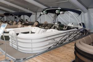New Bennington 23 R - Swingback Windscreen Sport Arch23 R - Swingback Windscreen Sport Arch Pontoon Boat For Sale