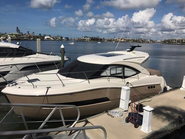 Used Carver C37 Coupe Motor Yacht For Sale