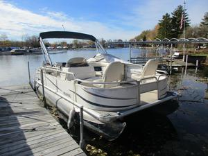 Used Sunchaser 820 4.0 Pontoon Boat For Sale