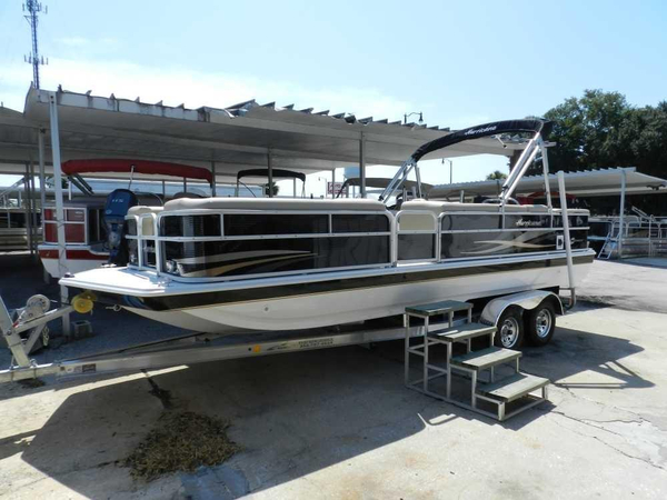 New Hurricane FunDeck 226 OB. Deck Boat For Sale