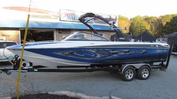 Used Malibu Wakesetter 247 LSVWakesetter 247 LSV Ski and Wakeboard Boat For Sale