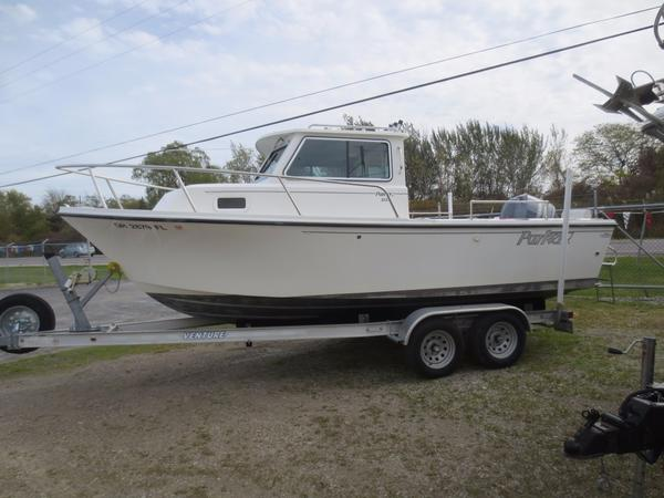 Used Parker 2120 SC Sports Fishing Boat For Sale
