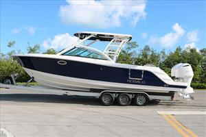 New Robalo 317 Dual Console Boat For Sale