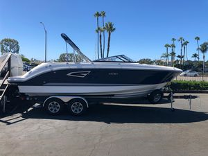 New Sea Ray SLX 230SLX 230 Bowrider Boat For Sale