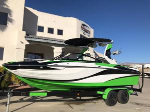 New Centurion Fi23 Ski and Wakeboard Boat For Sale