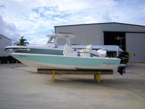 Used Pathfinder 2300 HPS Center Console Fishing Boat For Sale