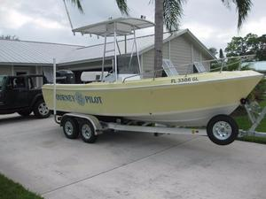 Used Aquasport 200 Osprey Classic Center Console Fishing Boat For Sale