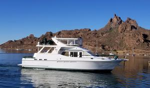 Used Ocean Alexander 546 Cockpit MY Motor Yacht For Sale
