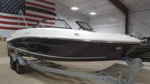 New Bayliner VR6 Outboard Bowrider Boat For Sale
