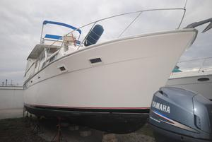 Used Pacemaker 40 Flybridge MY Cruiser Motor Yacht For Sale