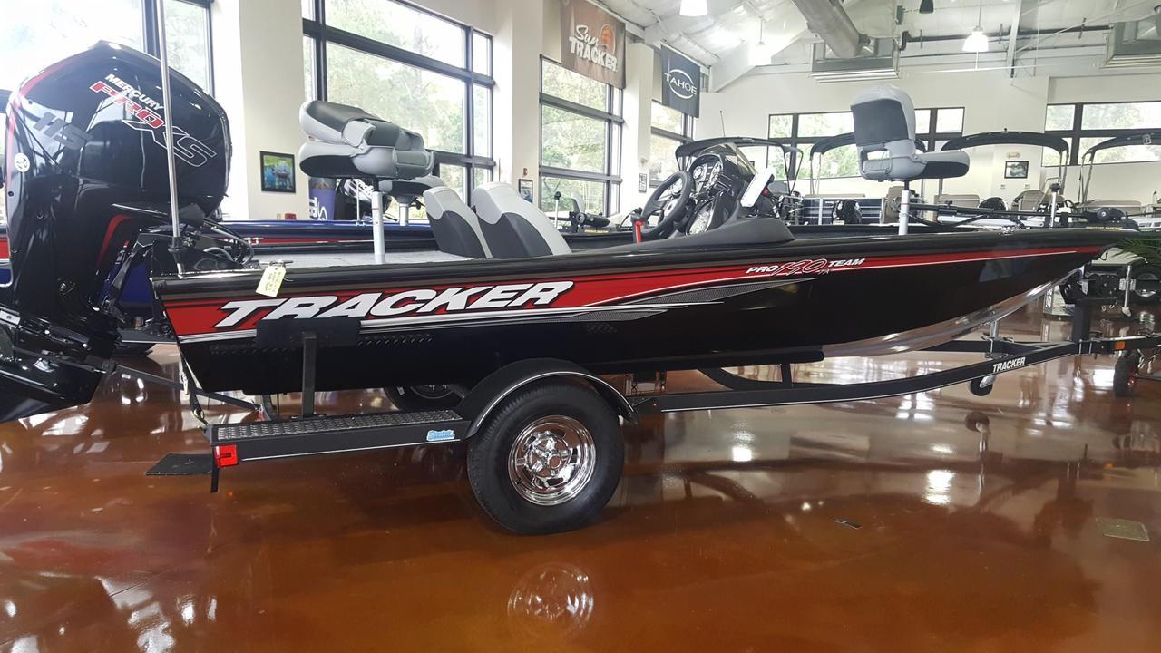 2018 New Tracker Pro Team 190 TXPro Team 190 TX Bass Boat
