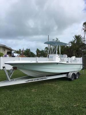 Used Epic SC25 Bay Boat For Sale