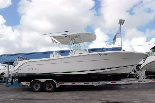 Used Robalo R300 Motor Yacht For Sale