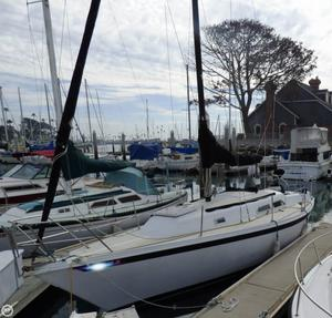 Used Ericson Yachts 28 Racer and Cruiser Sailboat For Sale