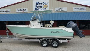 New Nauticstar 2302 Legacy Center Console Fishing Boat For Sale