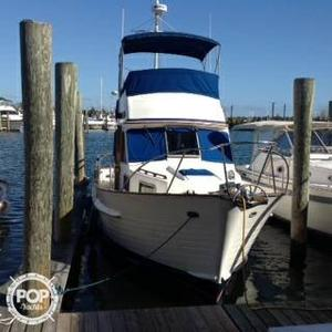 Used Island Gypsy 32 Sedan Express Cruiser Boat For Sale