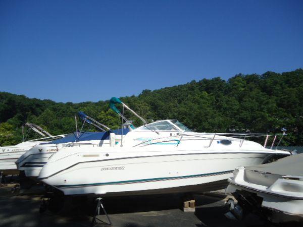 Used Rinker 265 Fiesta Vee Cruiser Boat For Sale