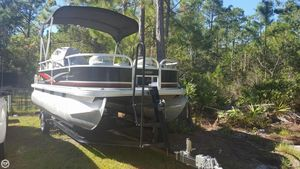 Used Sun Tracker 18 DLX Bass Buggy Pontoon Boat For Sale