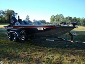 Used Bass Tracker Pro Team 195 TXW Bass Boat For Sale