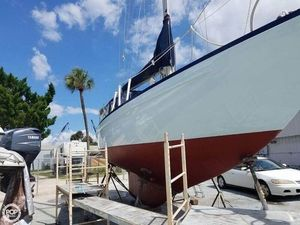 Used Allied 33 Luders Racer and Cruiser Sailboat For Sale