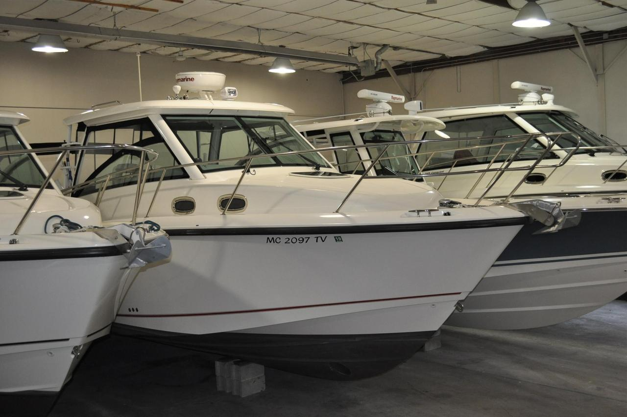 2016 used boston whaler 315 conquest315 conquest for Used fishing boats for sale in michigan