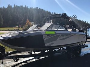 Used Tige R22 Ski and Wakeboard Boat For Sale