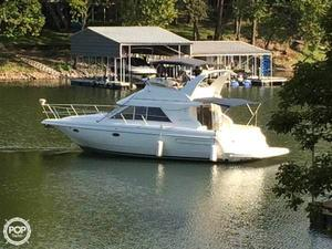 Used Cruisers Yachts 3585 Flybridge Express Cruiser Boat For Sale
